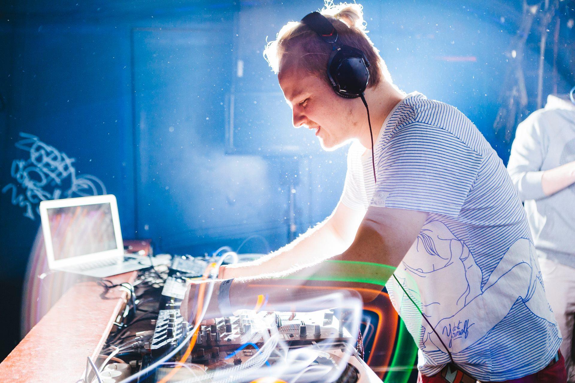 Music Intelligence Yearmix DJ Competition – Music Intelligence